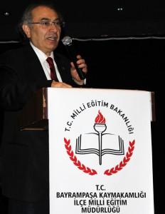 """Prof. Dr. Nevzat Tarhan öğretmenlere """"Duygular Nasıl Eğitilir"""" semineri verdi."""