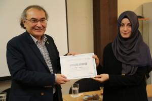 Sertifikalarını Rektör Prof. Dr. Nevzat Tarhan verdi.