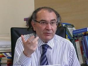 Rektör Tarhan Nur kürsüsü için geç kalındı