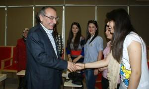 Merzifonlu genç haberciler Prof. Dr. Tarhan'ı ziyaret etti