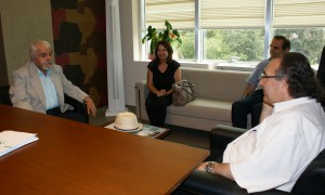 Cumhuriyet Yazarı Atabek'ten Rektör Tarhan'a teşekkür ziyareti...