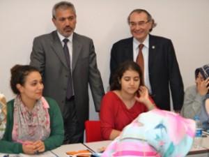 Gazeteci Abbas Güçlü Rektör Tarhan'ı ziyaret etti.