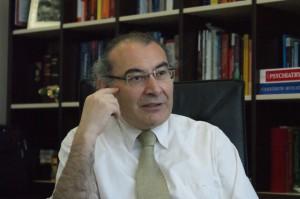 Nevzat Tarhan: Kaliteli yaşam için ekonomi kadar eğitim de önemli