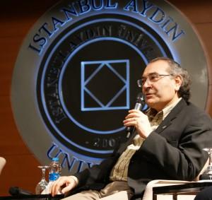Prof. Dr. Nevzat Tarhan İstanbul Aydın Üniversitesi'nde Psiko-terapi ve Mevlana'yı anlattı