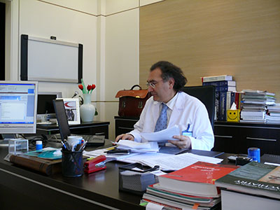 Prof. Dr. Tarhan, Psikiyatrist Foto 3