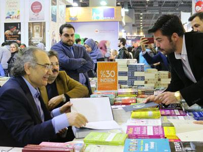 Prof. Dr. Tarhan, Yazar Foto 2